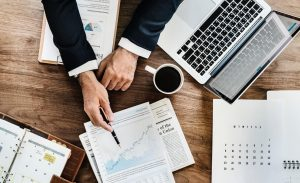 How to Become a Budget Analyst