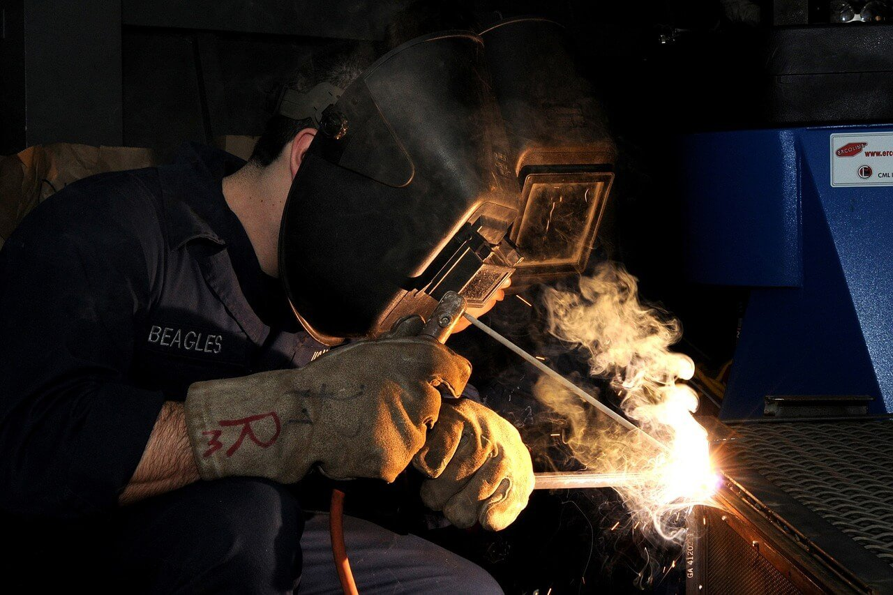 How to Become a Welder - School Costs, Education Requirements